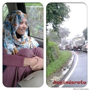 Baginda Ratu abal-abal, di perjalanan menuju Taman Bunga Nusantara. Tadinya pengen pose candid yang serius, apadaya fotografernya tukang ngeledek nomor wahid. *toyor sayang baginda raja* :D